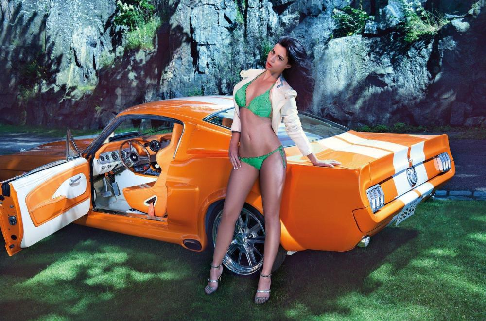 miss-tuning-2013-calendar-with-frizzi-arnold-photo-gallery-video_14