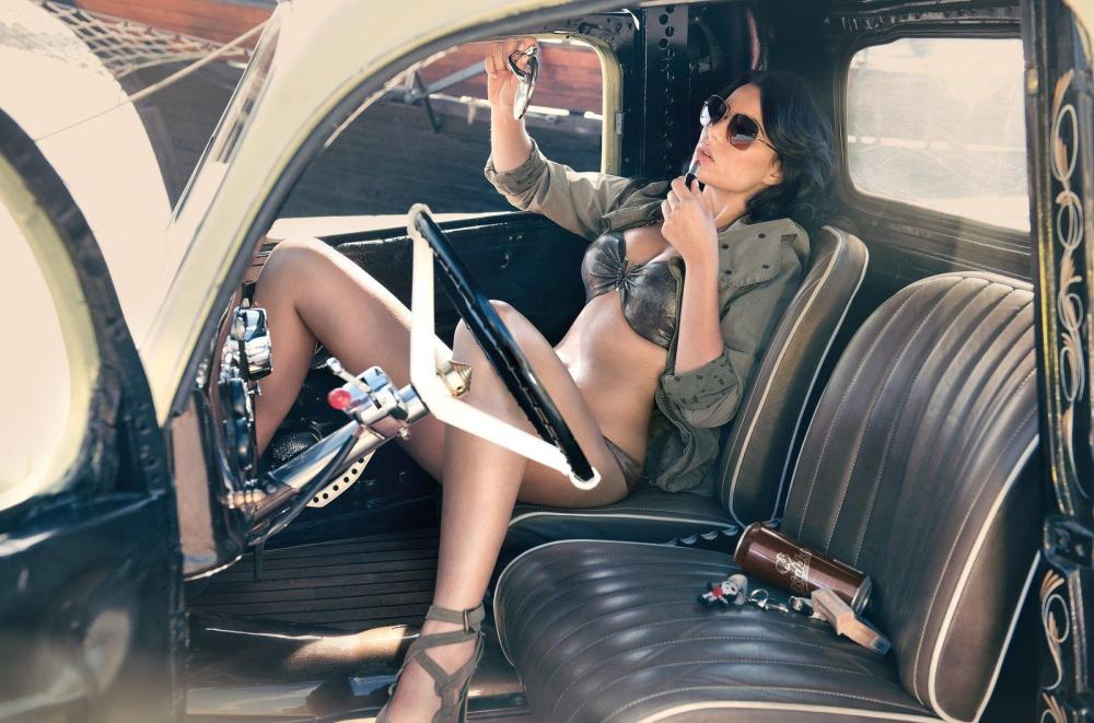 miss-tuning-2013-calendar-with-frizzi-arnold-photo-gallery-video_16