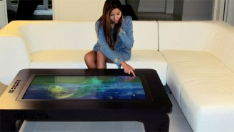 Mozayo-Interactive-Multi-Touch-Table