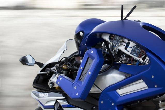 2015-yamaha-motobot-concept-ver-1-3