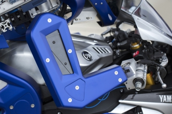 2015-yamaha-motobot-concept-ver-1-4