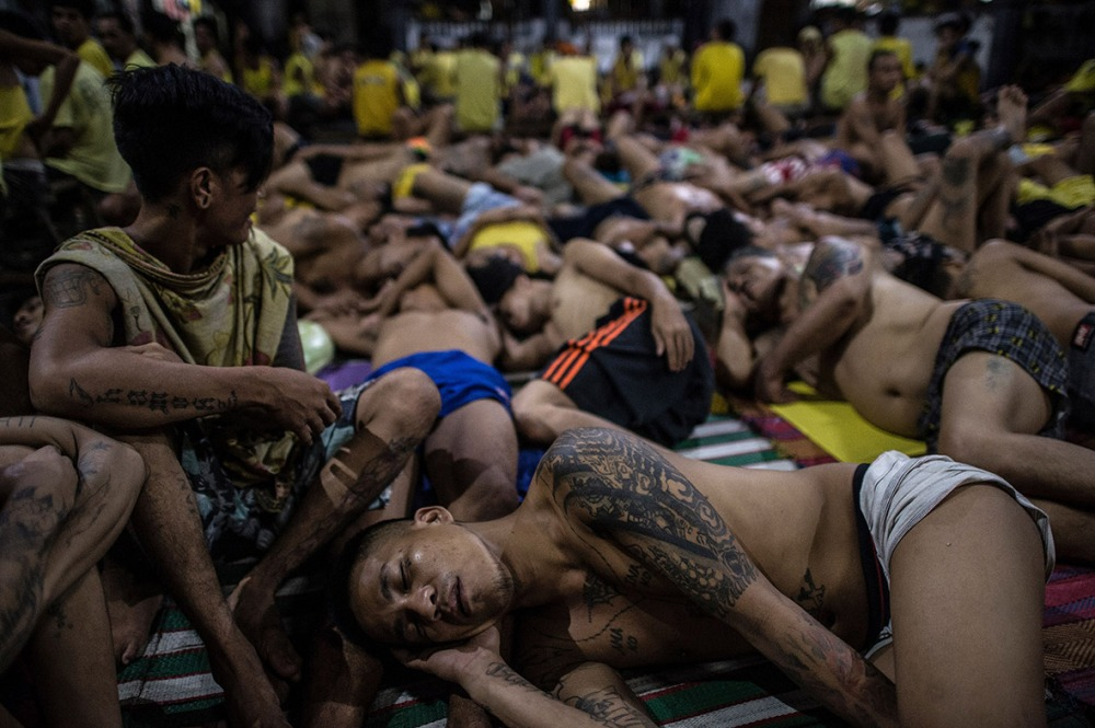 philippines-overcrowded-prison-quezon-jail (2)