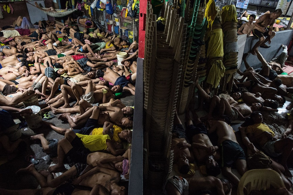 philippines-overcrowded-prison-quezon-jail (4)