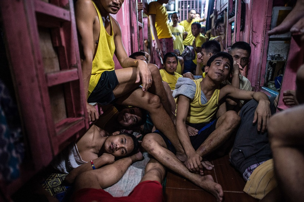 philippines-overcrowded-prison-quezon-jail (6)