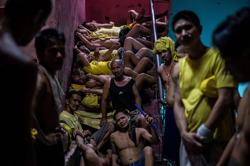 philippines-overcrowded-prison-quezon-jail (7)