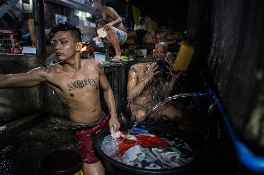 philippines-overcrowded-prison-quezon-jail (8)